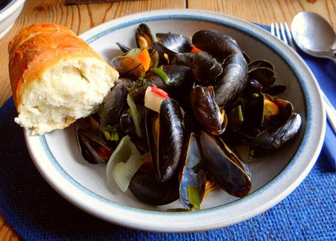 Muschel und Baguette (1)