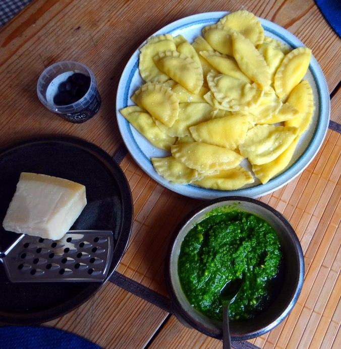 Ravioli,Pesto,fermentierter Knoblauch (10)