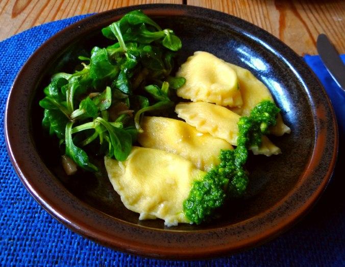 Ravioli,Pesto,fermentierter Knoblauch (11)