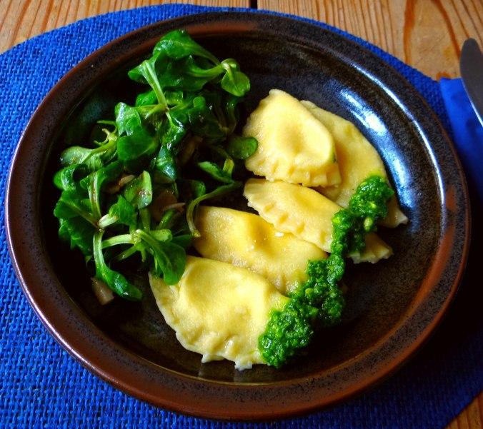 Ravioli,Pesto,fermentierter Knoblauch (2)