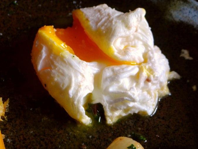 Schwarzwurzel,Ofenkartoffel,pochiertes Ei (17)
