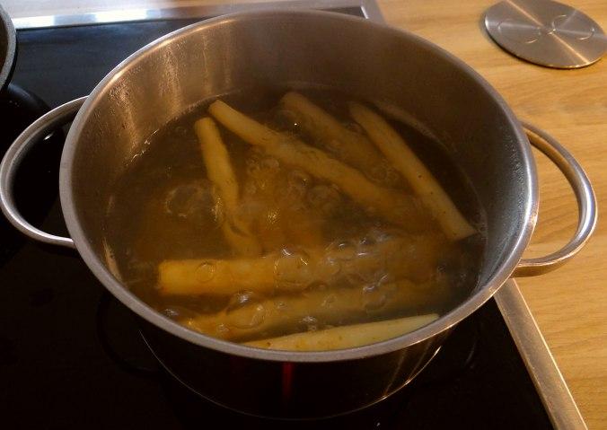 Schwarzwurzel,Ofenkartoffel,pochiertes Ei (4)