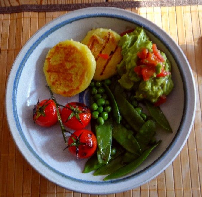 Kartoffel Taler,Guacamole,Gemüse (1)