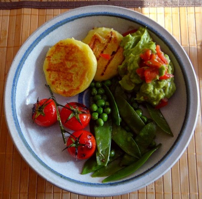 Kartoffel Taler,Guacamole,Gemüse (16)