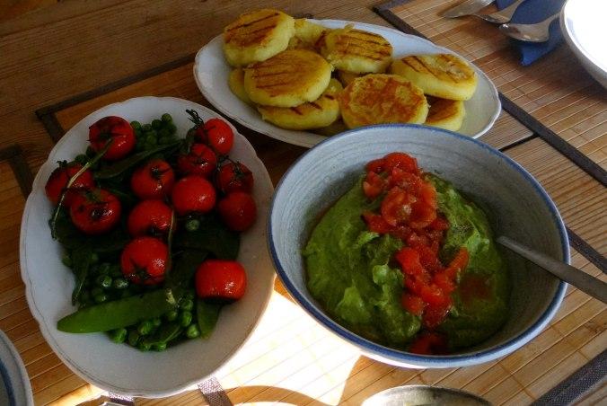 Kartoffel Taler,Guacamole,Gemüse (3)