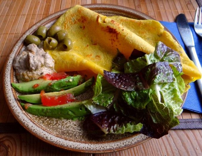 Kichererbsenmehl Pfannkuchen und Baba Ganoush (14)