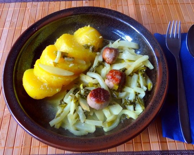 Mairübchen,Mettbällchen,Kartoffeln,Obstsalat (14)