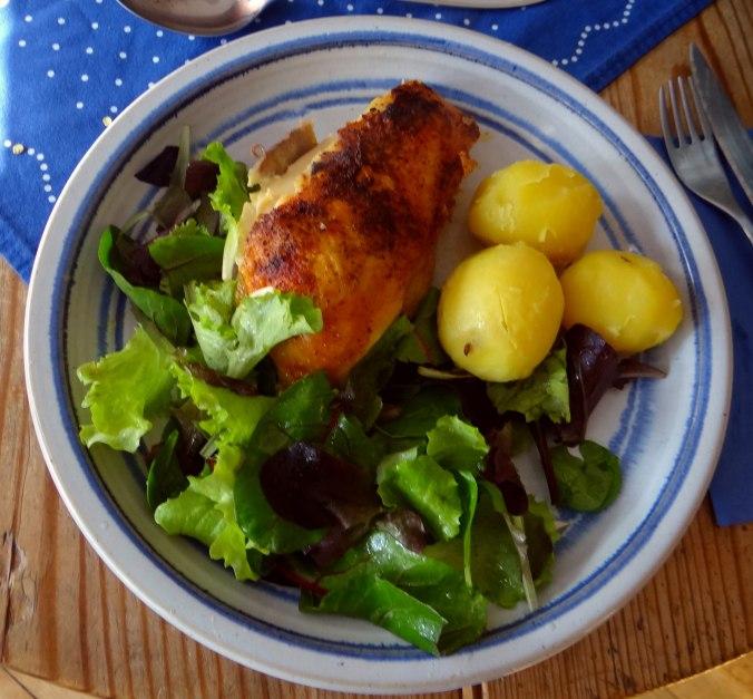 Mais Poularde,Salat,Birne in Rotwein (1)
