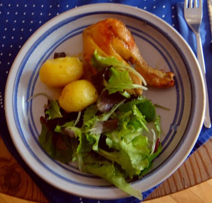 Mais Poularde,Salat,Birne in Rotwein (2)