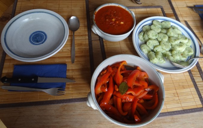 Paprika mit Gnocchi und Tomatensauce (7)