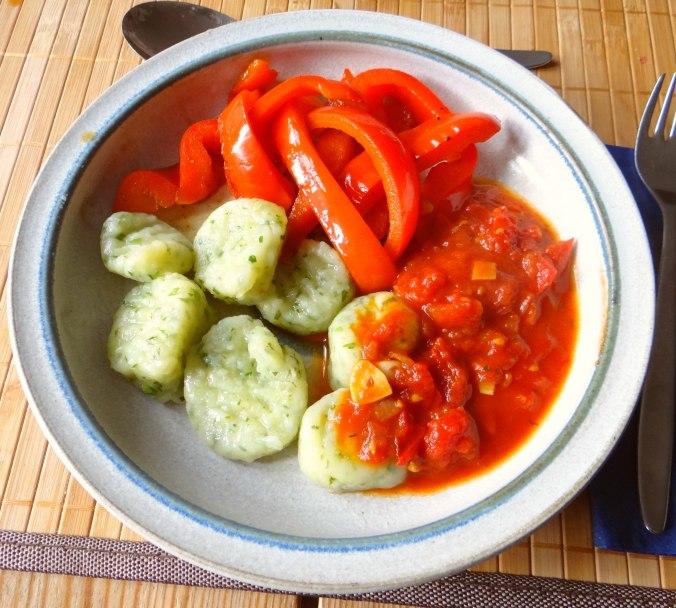 Paprika mit Gnocchi und Tomatensauce (8)