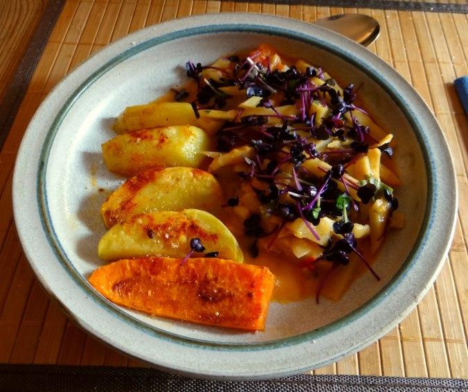 Pastinaken,Ofenkartoffeln,Obstsalat (1)