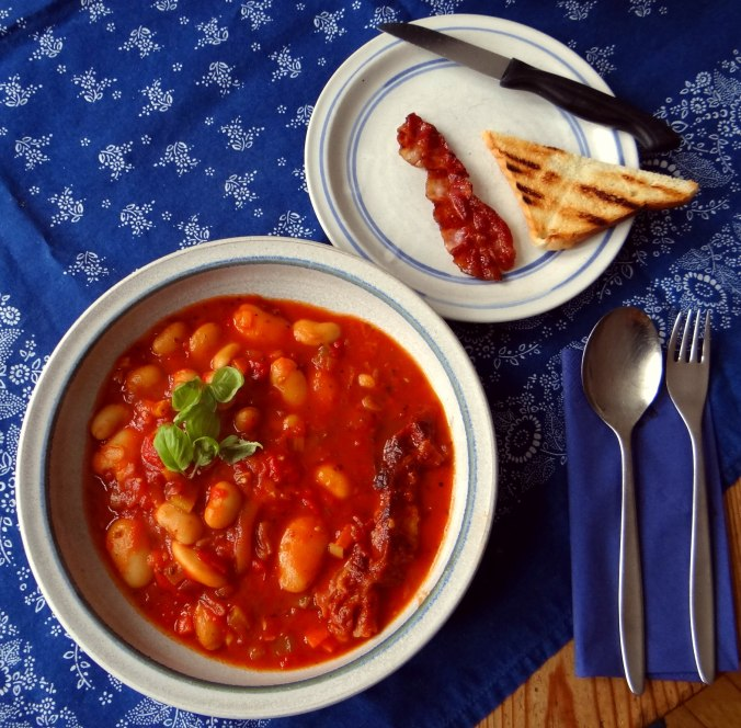 Bohnen-Tomatensuppe mit Bacon (16)