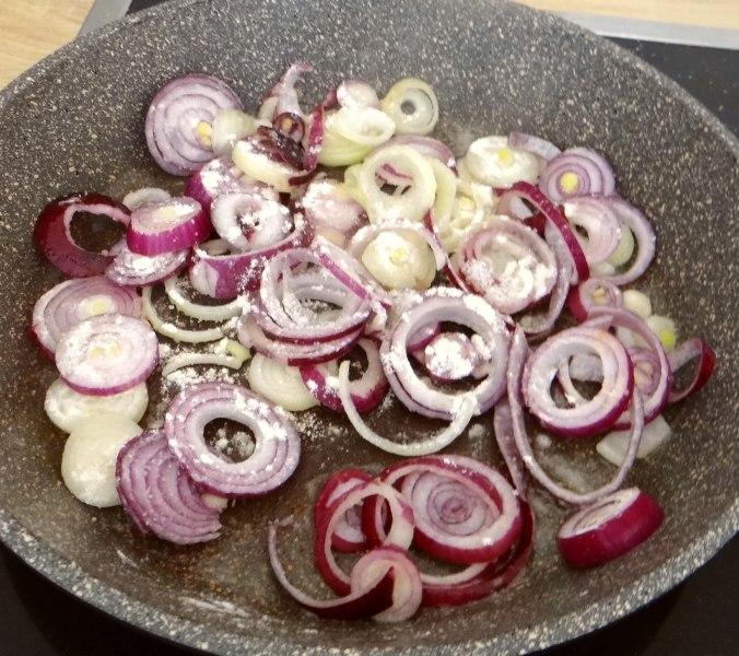 Bouillionkartoffeln, Feldsalat, Zwiebelringe, Kleines Gemüse (10)