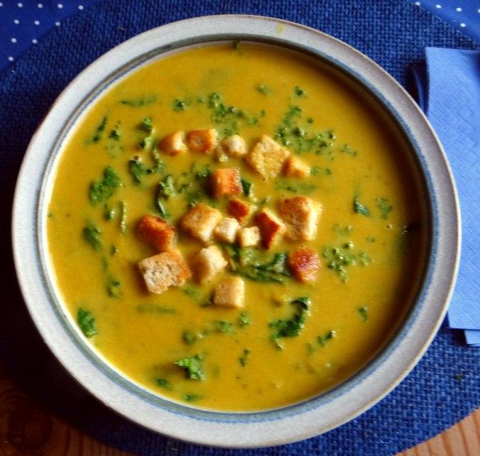 Gemüsesuppe püriert mit Spinat (1f (3)