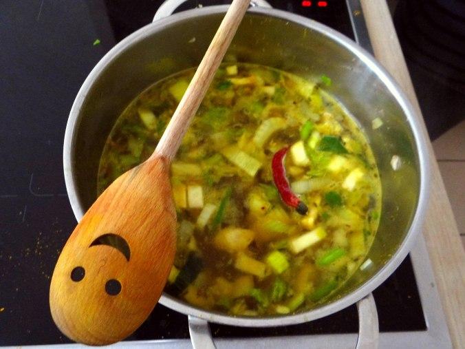 Gemüsesuppe püriert mit Spinat (1f (8)