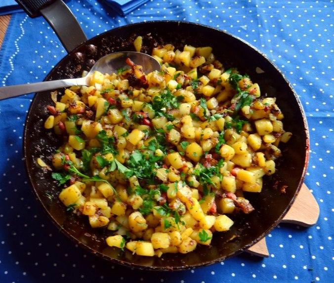 Geschmorter Chinakohl mit rohgebratenen Kartoffeln (10)
