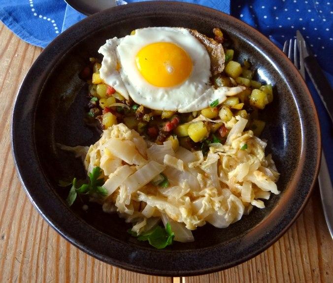 Geschmorter Chinakohl mit rohgebratenen Kartoffeln (2)