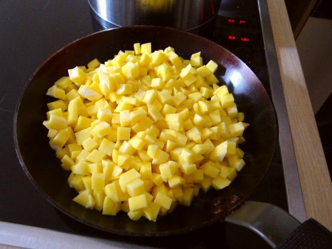 Geschmorter Chinakohl mit rohgebratenen Kartoffeln (7)