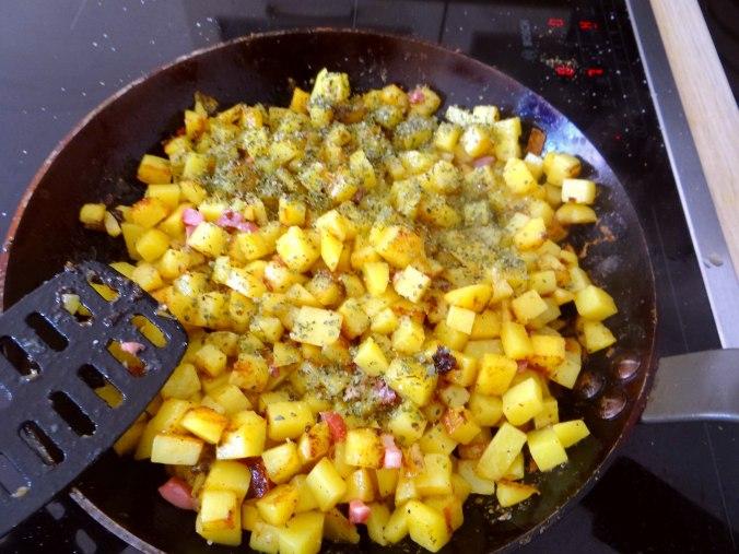 Geschmorter Chinakohl mit rohgebratenen Kartoffeln (9)