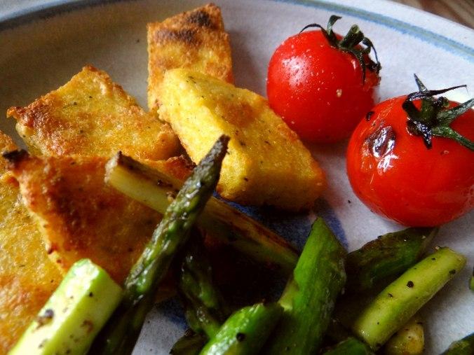 Grüner Spargel,Tomaten und Polenta (13)