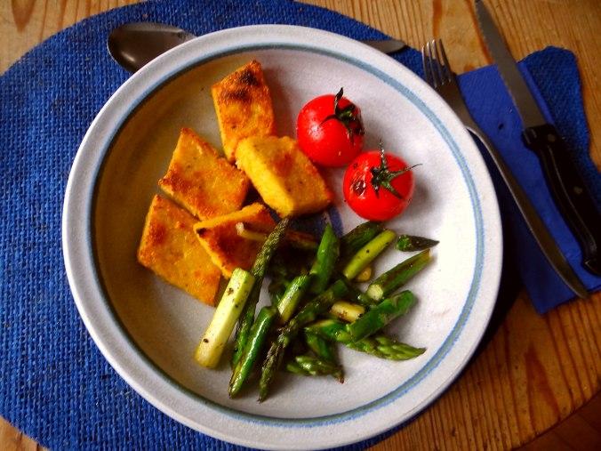 Grüner Spargel,Tomaten und Polenta (2)