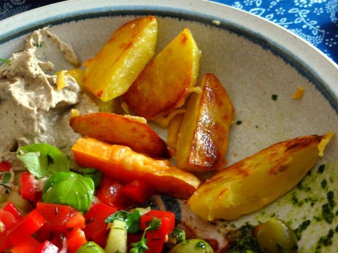 Israelischer Salat und Ofenkartoffeln (3)