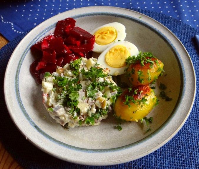 Matjes Tatar und Petersilienkartoffeln (1)
