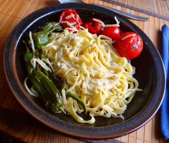 Selbstgemachte Nudeln,Gorgonzola Sauce 1 (1)