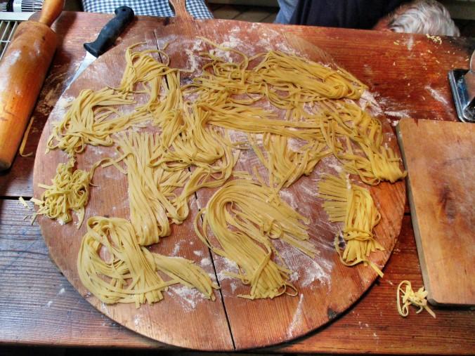 Selbstgemachte Nudeln,Gorgonzola Sauce 1 (7)