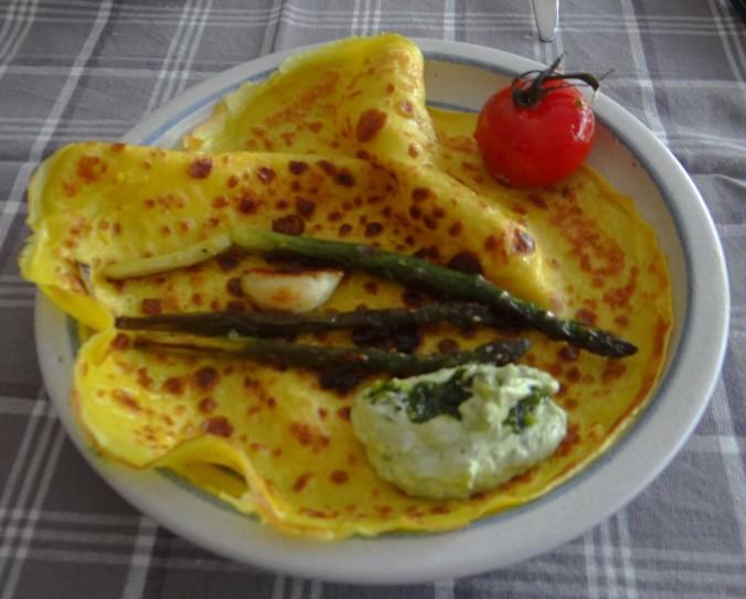 Eierpfannkuchen,Bärlauch Quark grüner Spargel (14)
