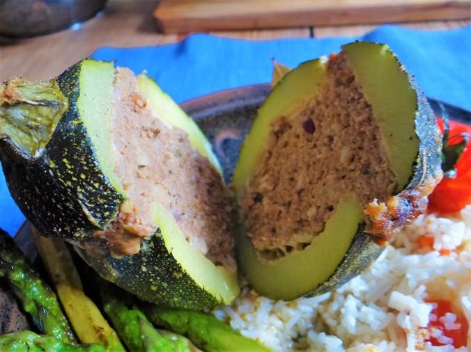 Gefüllte Zucchini,grüner Spargel,RiiJiiBasmati Reis (3)