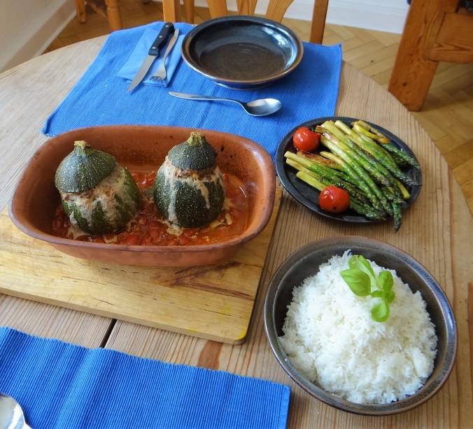 Gefüllte Zucchini,grüner Spargel,RiiJiiBasmati Reis (4)