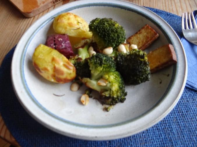 Ofenkartoffeln,Brokkoli,Räuchertofu (9)
