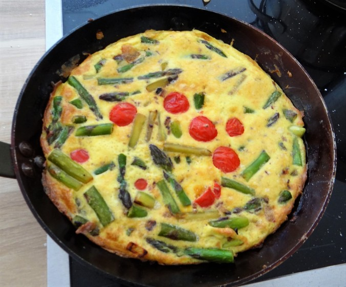 Spargel Omlett,gemischter Salat (13)