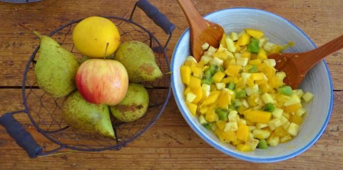 Zucchini Pfanne,Rohgebratene Kartoffeln,Pimientos,Obstsalat (21a)